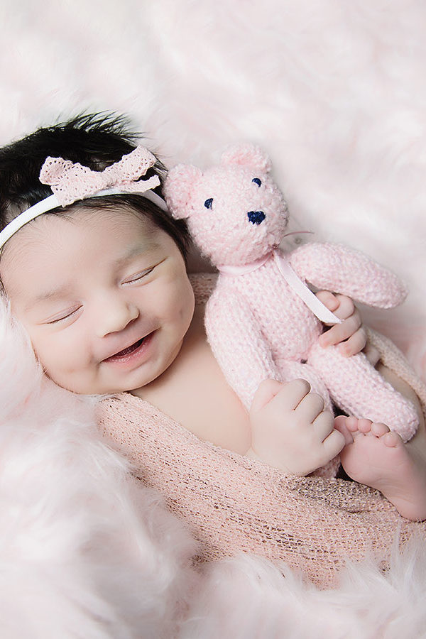 newborn-smiles-cute